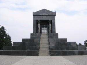 Monumento all'eroe sconosciuto a Belgrado