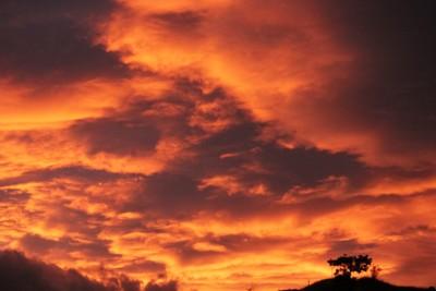Il tramonto che colpisce il soldato invasore